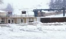 طريق كفردبيان-حدث بعلبك مقطوعة بسبب الثلوج والطرق لمراكز التزلج بكفردبيان سالكة لسيارات الدفع الرباعي