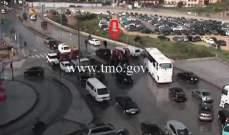 جريح بتصادم بين مركبة ودراجة نارية على تقاطع الصيفي- بيروت وحركة المرور كثيفة