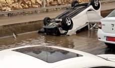 انقلاب سيارة على اوتوستراد الجية باتجاه بيروت