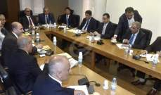 لجنة الاشغال أقرت اقتراح قانون تجزئة لوحات الباصات العمومية الكبيرة