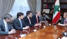 الرئيس عون أكد لوفد الكونغرس رفض لبنان لوضع الجولان تحت سيادة اسرائيل