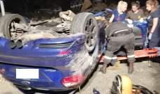 3 جرحى نتيجة تصادم بين مركبتين وانقلاب احداها على اوتوستراد طبرجا