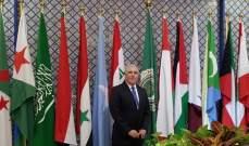جمعة يتسلم شهادة شكر وتقدير من الامانة العامة للجامعة العربية