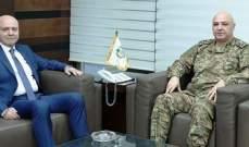 قائد الجيش بحث مع بانو بالأوضاع العامة في البلاد