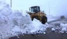 الدفاع المدني: العمل على جرف الثلوج عن طرقات زحلة- ترشيش تسهيلا لحركة المرور