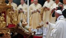 بدء قداس الميلاد في بازيليك القديس بطرس في الفاتيكان