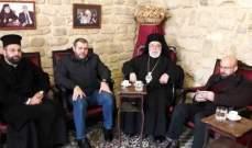 وفد من حزب الله زار مطران صيدا مهنئا بالاعياد