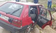 اصابة مواطنة اثر اصطدام سيارتها بعمود كهرباء في محلة كفرفالوس