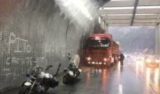 عطل في الصندوق الخلفي لشاحنة بسبب حمولة زائدة عند اول نفق شكا باتجاه طرابلس