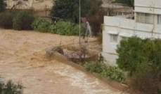 ارتفاع حصيلة انجراف الحافلة جراء السيول بالأردن الى 16 قتيلا