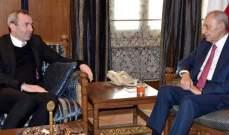 بري التقى السفير البريطاني وعرض معه التطورات الراهنة
