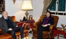 جنبلاط عرض التطورات مع سفيري استراليا ومنظمة فرسان مالطا