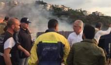 خطار يتابع عمليات اخماد الحريق في مستودع الأخشاب