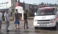 النشرة: اقتلاع اشجار وسقوط لوحات إعلانية بسبب الرياح على طريق النبطية كفروة