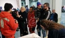 النشرة: النازحون السوريون يتجمعون في ملعب صيدا البلدي للانطلاق نحو سوريا