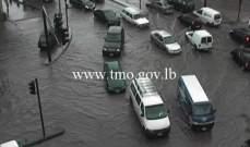 التحكم المروري: تجمع للمياه على تقاطع الشيفروليه وحركة المرور كثيفة بالمحلة