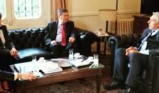 مدير الشؤون السياسية بالخارجية بحث مع ساترفيلد آخر التطورات بملف ترسيم الحدود