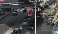 تصادم بين مركبتين على الطريق الممتد من سن الفيل باتجاه تقاطع الشيفروليه