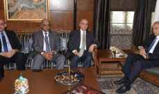 بري عرض مع وزير الخارجية العراقي العلاقات الثنائية والتطورات