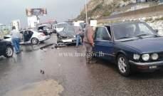 تصادم بين 4 مركبات على اوتوسترادعمشيت باتجاه جبيل والاضرار مادية