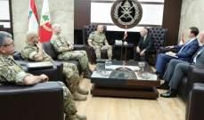 قائد الجيش التقى مسؤول بريطاني والملحق العسكري الروسي والقاضي صادر