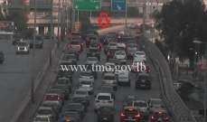 تصادم بين 3 سيارات على اوتوستراد الياس الهراوي والاضرار مادية