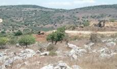 أعمال حفر اسرائيلية في خراج ميس الجبل خارج السياج التقني