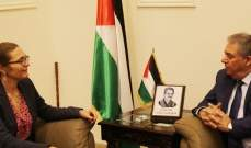 دبور عرض وسفيرة الدنمارك اوضاع اللاجئين الفلسطينين وضرورة دعم الاونروا