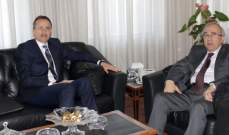 سرحان عرض التعاون القضائي مع سفيري رومانيا والمكسيك