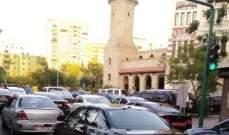 تجمع لسائقي السيارات العمومية أمام الداخلية للمطالبة برفع تعرفة النقل وضمان الشيخوخة