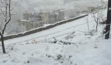 إنقاذ عائلة حاصرتها الثلوج في أعالي القموعة في عكار