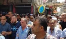 """النشرة: تشييع الفلسطيني حسين علاء الدين الملقب بـ""""الخميني"""" في عين الحلوة"""
