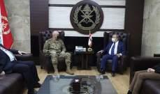 قائد الجيش بحث مع نقيب الصحافة الأوضاع العامة في البلاد