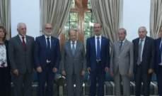 الرئيس عون يلتقي وزير خارجية تركيا مولود جاويش اوغلو في بيت الدين