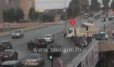 تصادم بين بيك اب وسيارة على تقاطع جسر النقاش والأضرار مادية