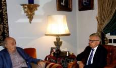 جنبلاط عرض الأوضاع مع السفير الروسي