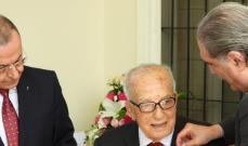 جريصاتي قلد الدكتور بيار دكاش وسام الارز الوطني من رتبة كومندور