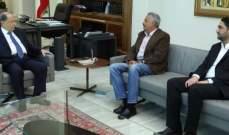 الرئيس عون يلتقي في هذه الأثناء ارسلان والغريب
