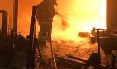 إخماد حريق هائل داخل معمل للأواني البلاستيكية في مزرعة يشوع