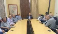 رئيس بلدية بعلبك اجرى اتصالات لحل ازمة اضراب عمال البلدية: لرفع النفايات من لشوارع