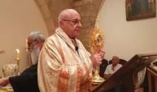 المطران درويش احتفل بعيد مار بطرس وبولس في كسارة وبارك المؤمنين بذخائر القديس بطرس
