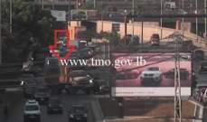 التحكم المروري: تعطل شاحنة على أوتوستراد الرئيس لحود وحركة المرور كثيفة