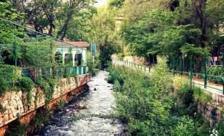 اجتماع في بلدية زحلة - المعلقة يدرس كيفية ازلة التلوث من نهر البردونة