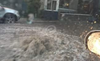 تجمع للمياه على اوتوستراد البترون على الطريق البحرية في كفرعبيدا