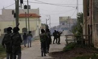 الجيش الإسرائيلي يقتل فلسطينيا بعيار ناري في مخيم العروب