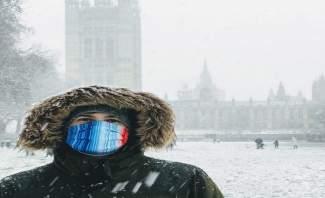 الثلوج تغطّي شوارع لندن شبه الخالية أثناء الإغلاق بسبب كورونا