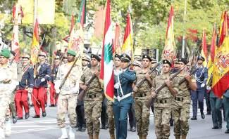 وحدة من مغاوير الجيش تشارك في العرض العسكري لمناسبة العيد الوطني الإسباني في مدريد
