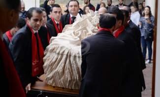 ادخال جثمان عقل الى كاتدرائية سيدة النجاة واقامة صلاة النياح