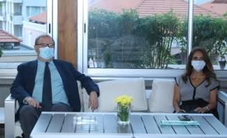 عكر عرضت مع منسق المساعدات الدولية من أجل لبنان التحضيرات لمؤتمر باريس 3