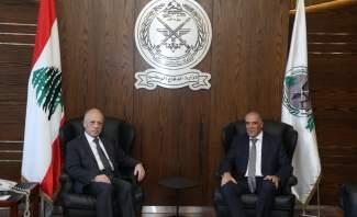 وزير الدفاع التقى سفير الاتحاد الأوروبي الذي أبدى استعداده لمساعة الجيش طبيا